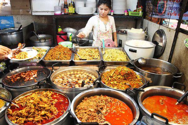 20140729-bangkok-street-market-food-09.jpg