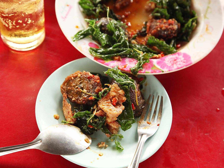 20140714-egg-pork-fried-basil-stir-fry-bangkok-13.jpg