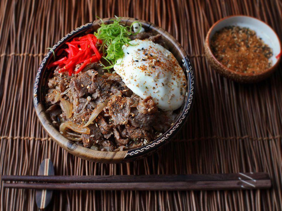 20160711-gyudon-beef-rice-bowl-japanese-recipe-15.jpg