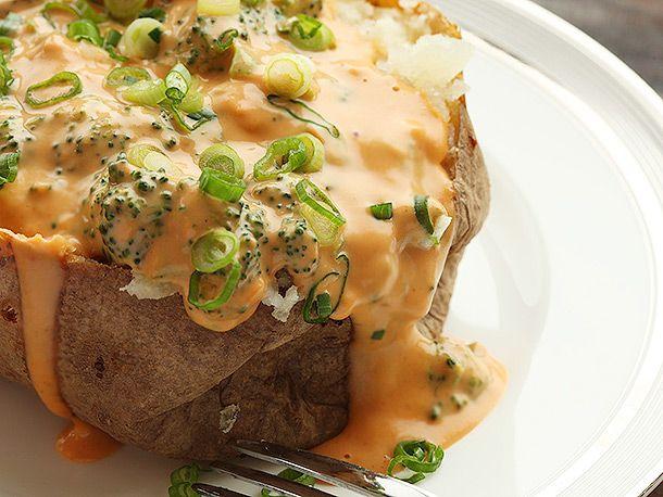 20140214-macaroni-and-cheese-baked-potato-broccoli-cheese-nacho-09.jpg