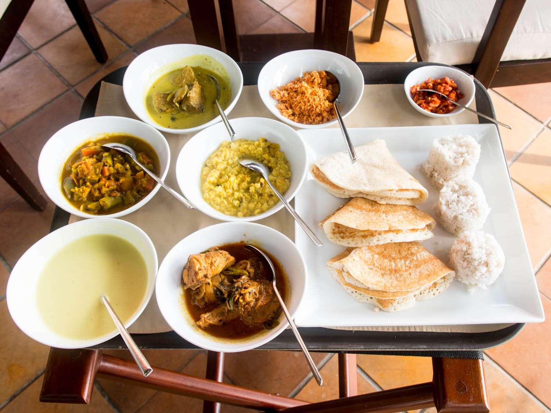 20140802-sri-lankan-food-curry-breakfast-pitthu-dosai-naomi-tomky.jpg