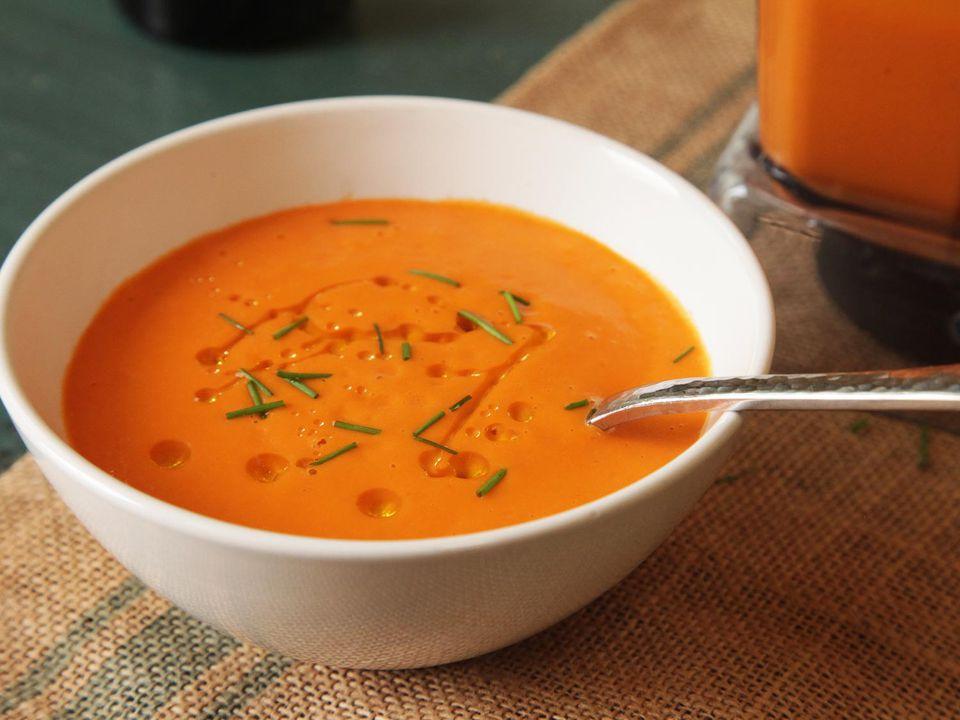 A bowl of 15-minute creamy vegan tomato soup.