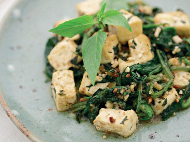 Spicy Thai Tofu with Spinach, Basil, and Peanuts
