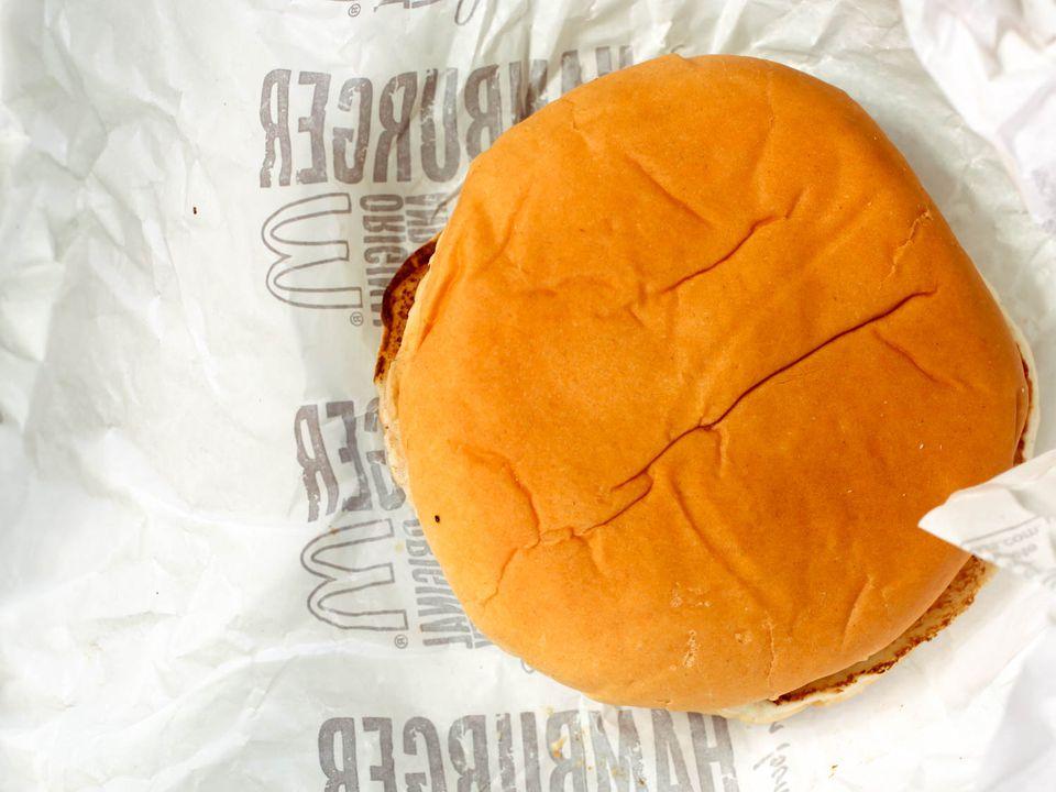 20150424-12-year-old-mcdonalds-burger-kenji-redo-7.jpg