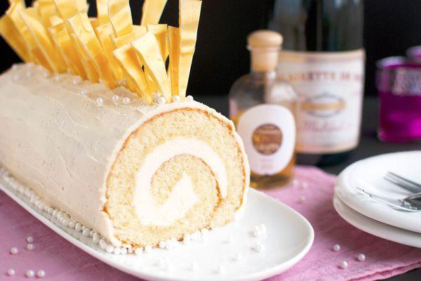 20141215-champagne-cake-roll-with-white-chocolate-nila-jones-3.jpg