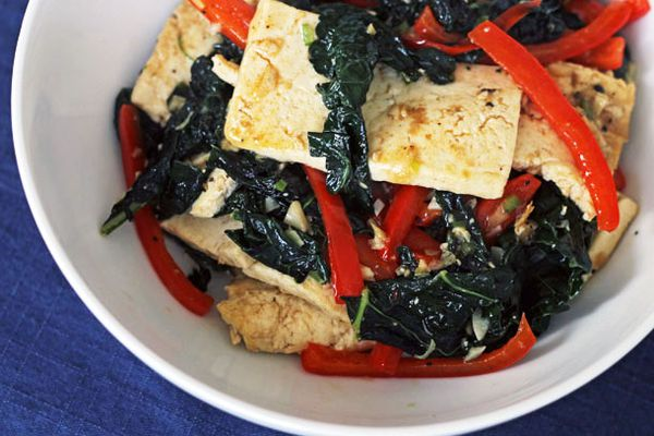 20120223-dt-spicy-tofu-with-kale-and-red-pepper-primary.jpg